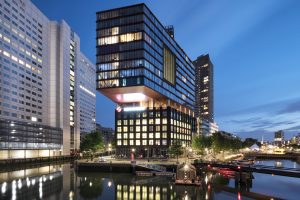 The Red Apple, woongebouw en kantoor Havensteder Rotterdam, architect KCAP.