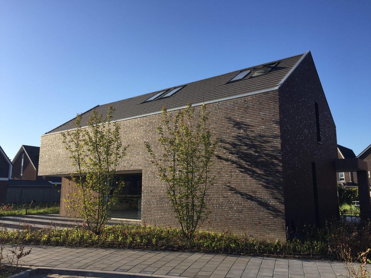 Strak gedetailleerde woning van koen arts in elst architectuur.nl
