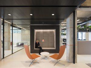 Interieur kantoor Vesteda. Foto: Ossip van Duivenbode