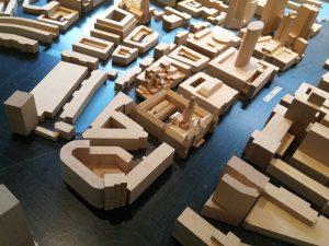 Maquette in Museum Rotterdam. In het midden: Stadhuis, postkantoor en WTC aan de Coolsingel. Foto Jacqueline Knudsen