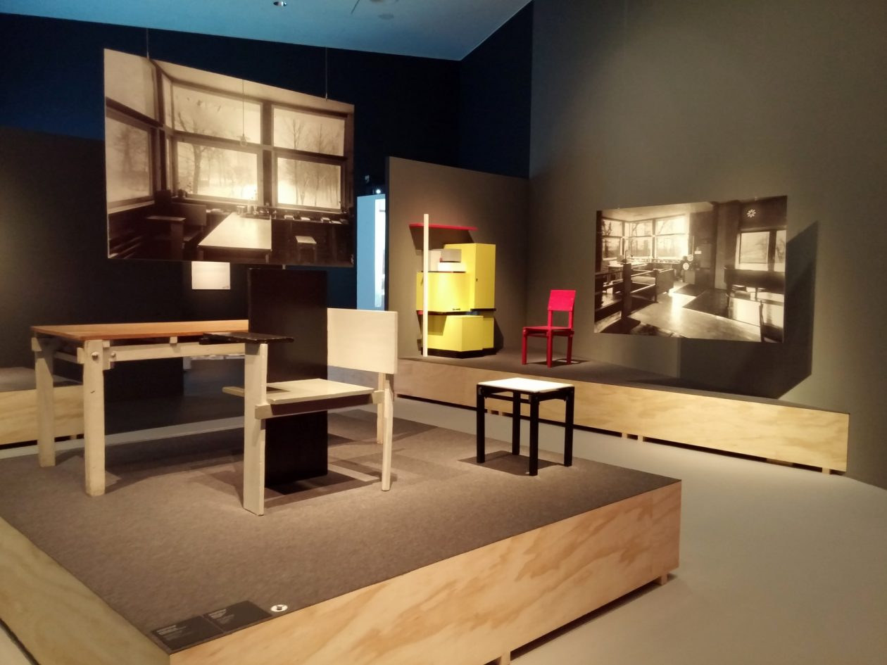 https://www.architectuur.nl/wp-content/uploads/2018/06/Rietvelds-Meesterwerk_Huis__-Foto-Jacqueline-Knudsen.jpg