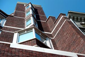 5. Stenen toegepast in gevel Primark Damrak in Amsterdam