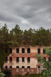 Expositie Tweede Natuur in Kasteel Groeneveld: Beelitz Heilstaetten. Foto Milad Pallesh