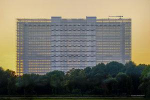EPO_Rijswijk_Laagstaande zon maakt het gebouw transparant. photo_ronald_tilleman