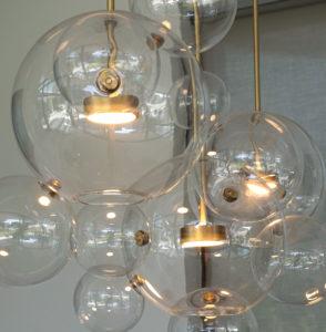 lamp Bolle (Giopato & Coombes) boven de eettafel