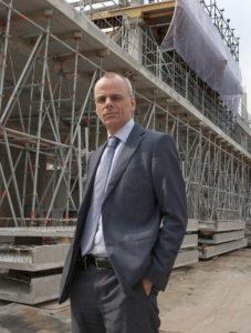 Johan Koudijs is directeur van adviesbureau DGMR en adviseert architecten, projectontwikkelaars en aannemers gedurende het hele bouwproces over de brandveiligheid