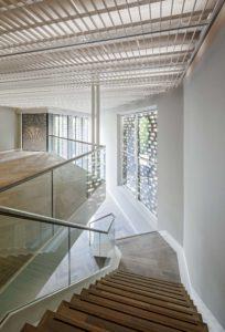 Op elke verdieping zijn vides aangebracht voor hogere kunstwerken ● Foto Sjaak Henselmans