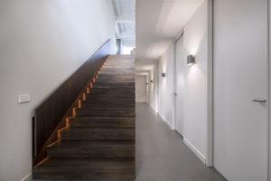 De trap van de begane grond naar de 1e verdieping. Foto Wouter van der Sar.