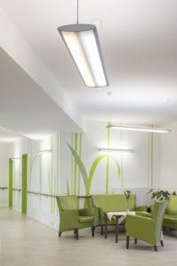 Met deze plafondarmaturen met leds in twee kleuren kun je eindeloos variëren in lichtkleur en intensiteit