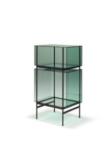 Voor het merk Joshh& ontwierp Visser & Meijwaard een collectie bijzettafels en kasten getiteld Lyn, gemaakt van glas en metaal.