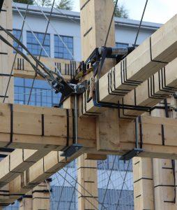 Voor de Dutch Design Week 2017 ontwierpen Overtreders W en bureau SLA het People's Pavilion, dat grotendeels werd opgetrokken uit geleende bouwmaterialen
