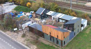 Het Hof van Cartesius in Utrecht, een circulaire plek met werkruimtes voor duurzame ondernemers, is bijna volledig opgebouwd uit hergebruikte materialen