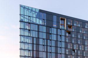 De hotelkamers in de glazen punt zijn niet geprefabriceerd maar ter plaatse opgebouwd.