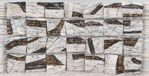Archief Rechtbank 5. Voor de Tijdelijke Rechtbank Amsterdam bouwde Teeuwen met sloopafval vijf installaties van 8 bij 4 meter in haar atelier. De foto's hiervan op ware grootte zijn in de rechtszalen gemonteerd (2016)