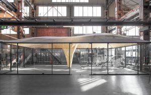 De vorm van de houten koepelconstructie van de Skilledin Office werd geoptimaliseerd met een digitale form-finding methode