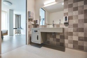 Speciaal ontworpen wastafelmeubel. Foto Jeroen van der Wielen