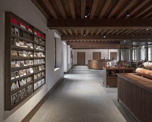 Nieuwe receptie en museumwinkel in de 17e eeuwse Laecken-halle