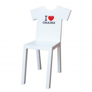 De T-Chair heeft dezelfde verschijningsvorm en printmogelijkheden als een T-shirt: met kleur, strepen, een logo of je naam