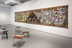 Zaaloverzicht (wandkleed Koen Taselaar) Foto: Josefina Eikenaar/TextielMuseum