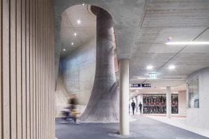 De grootste fietsenstalling ter wereld, onder het stationsplein van Utrecht. Een ontwerp van Ector Hoogstad Architecten. Foto: Petra Appelhof