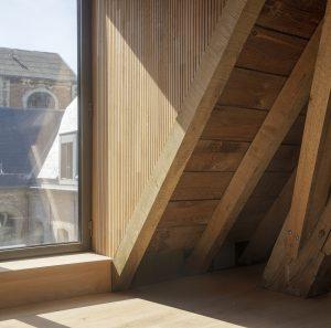 De dakkapellen zijn uitgewerkt als private studiecellen of 'studioli'