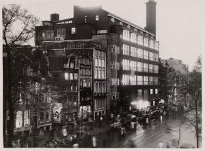 Hoofdkantoor De Telegraaf in Amsterdam. Fotografie: ANEFO. Stadsarchief Amsterdam , 26 april 1950