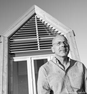 """Architect Kees van Wuyckhuyse: """"De huisjes zijn echt als een compleet product ontworpen. Vooral de combinatie van verplaatsbaarheid en autarkie is nog niet eerder gedaan op deze wijze."""""""