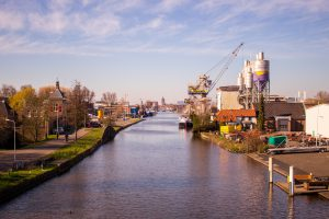 De Delftse Schie doorkruist het plangebied Schieoevers Noord, naast een oriëntatiepunt in Delft ook een bron van energie voor de stad?