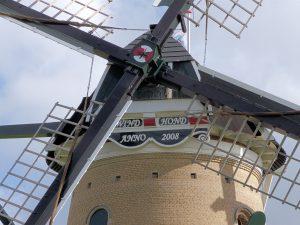Herbouw Molen de Windhond in Soest, gemetseld met de kleine IJsselsteentjes.