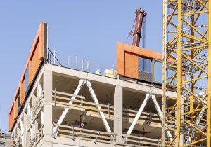 De grote mate van prefabricage maakt het mogelijk de toren snel en steigerloos te monteren