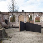 Folly Zicht Zag in ruïnes afgebrande Julianakerk