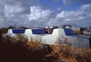 In 2001 was het Depot van het Scheepvaartmuseum in Amsterdam, architect Liesbeth van der Pol, het eerste project met een titanium gevel (Foto Bert Nienhuis)