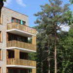 Terrassen appartementen voorzien van houten lamellen