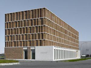 Het ontwerp van het nieuwe Stadsarchief Delft van Office Winhov & Gottlieb Paludan Architects biedt plaats aan depots, kantoren, werkruimtes en studiezalen. Foto: Stefan Müller