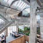 Fabriekshal getransformeerd tot dynamisch kantoor