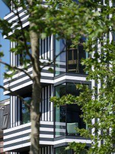 Het gebouw van Thonik aan de Wibautstraat in Amsterdam is een ontwerp van grafi sch ontwerper Thomas Widdershoven en architect Arjan van Ruyven