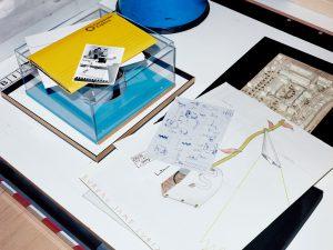 Cubic3 Design archiefmateriaal waaronder schetsen voor bureaulamp Nachtschade. Uit archief Cubic3 Design. Fotografie: Tim Elkaïm.