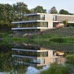 Natuurlijke materialen in luxe Villa M