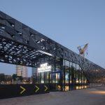 Leuvepaviljoen: compact en transparant gebouw